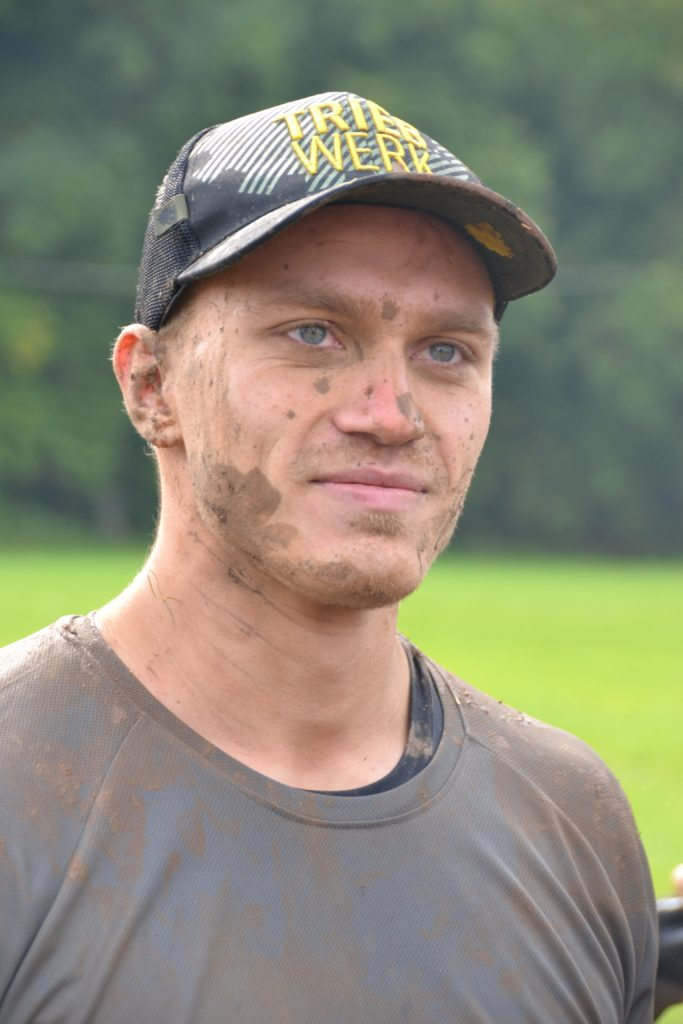 Chris, team Chris Cross, Tough Mudder, Cap, Triebwerk, dreckig, Matsch